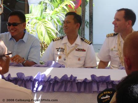 Calbayog City Mayor Mel Senen S.Sarmiento, Philippine Navy Captain Crispin Mercado, and U.S. Navy Captain William A. Kearns